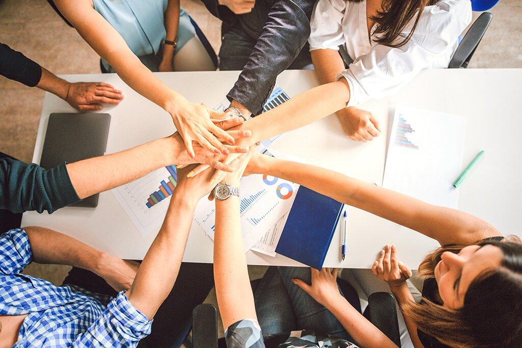 Szkoła zarządzania: zaufanie wzespole. Dlaczego jest ważne? Jak je budować?