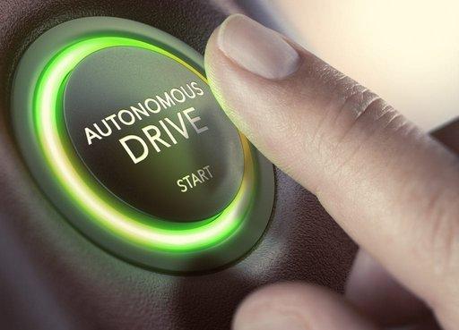 Kto zapłaci za wypadki samochodów autonomicznych?