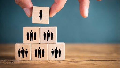 Zmiany organizacyjne zaburzają nam poczucie własnej wartości