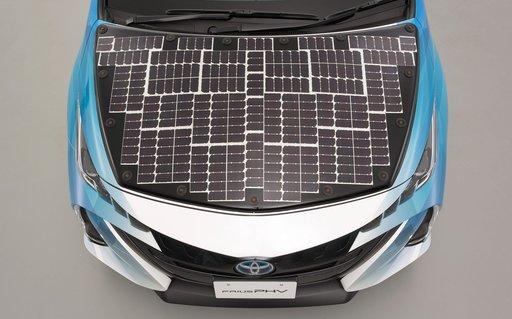 Panele słoneczne na samochodach elektrycznych
