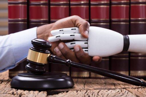 AI - regulacje prawne. Czy firmy mają się czego obawiać?